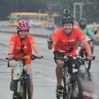 300 cyclists brave rain for Vietnam's moon bears
